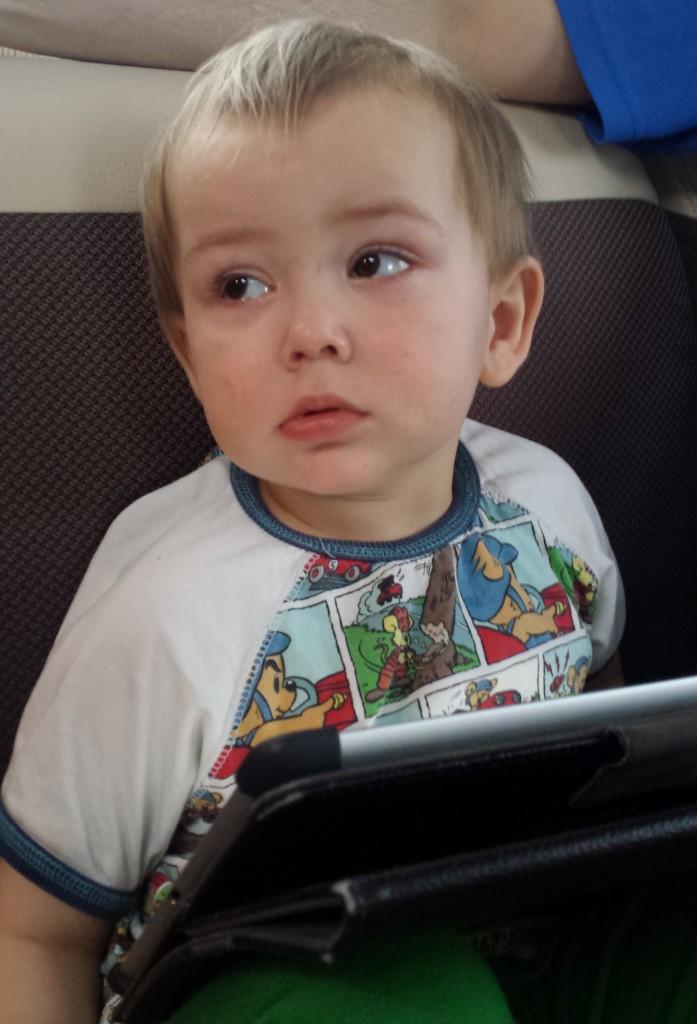 Bild från husvagnen i går. Då var han rejält febrig. I dag är det bättre.